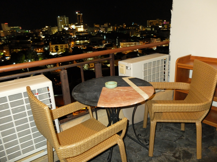 Nice appartment 2 bedrooms for sale On Pattaya Klang 9Karat