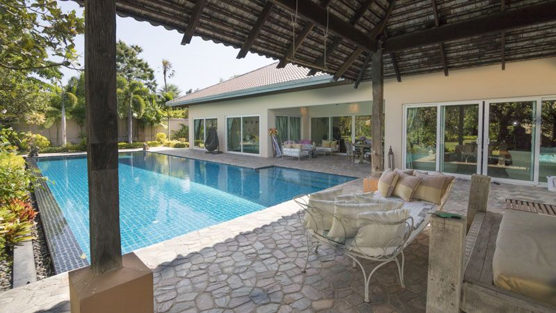Fantastic modern 4 plus bedroom pool-villa in top Mabprachan