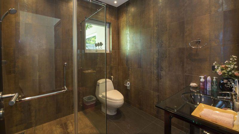 Fantastic modern 4 plus bedroom pool-villa in top Mabprachan