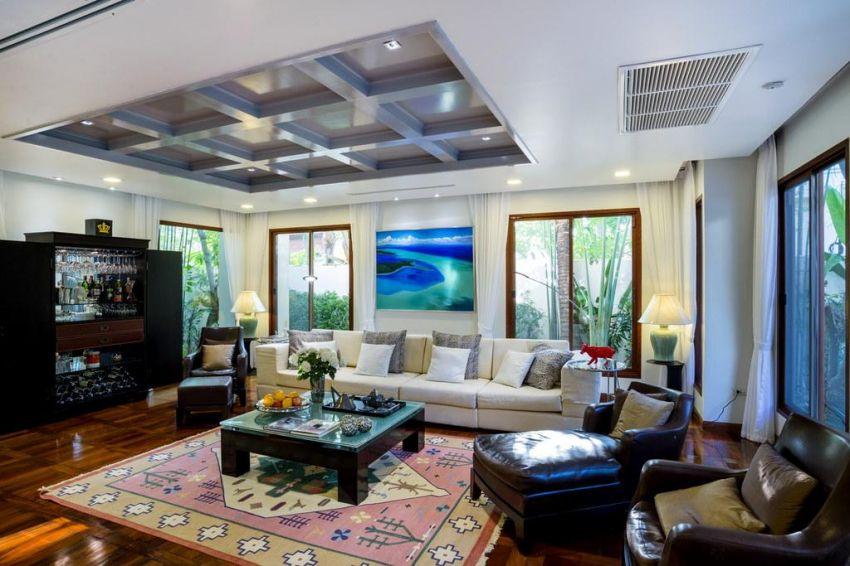 Tropical 3-bedroom designer-estate with mooring 300 meters