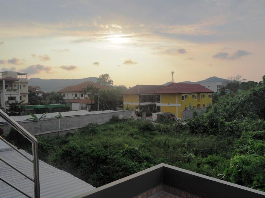 !!! Large second floor apartment, Bang Saray !!!
