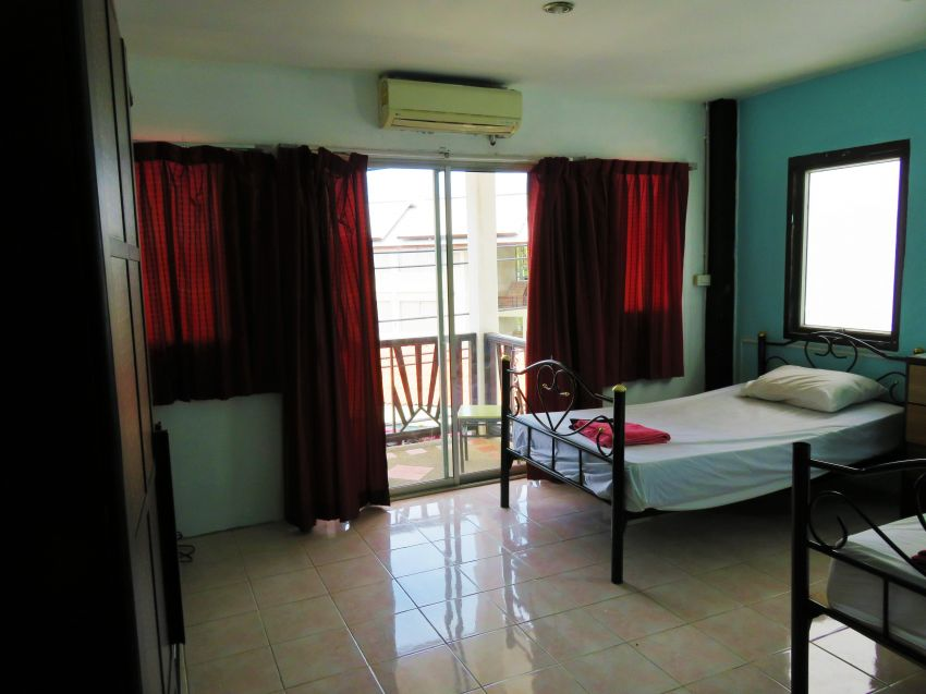 Samui Hostel Sale! 8 Rooms 60 Beds Max!
