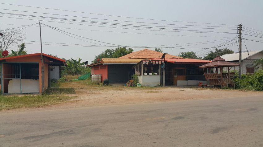 Shop and land on main rd.  ขายบ้านพร้อ