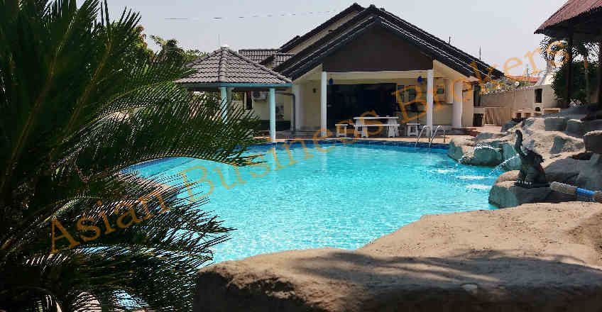 1202021 4 Pattaya Rental Pool Villas Freehold Sale