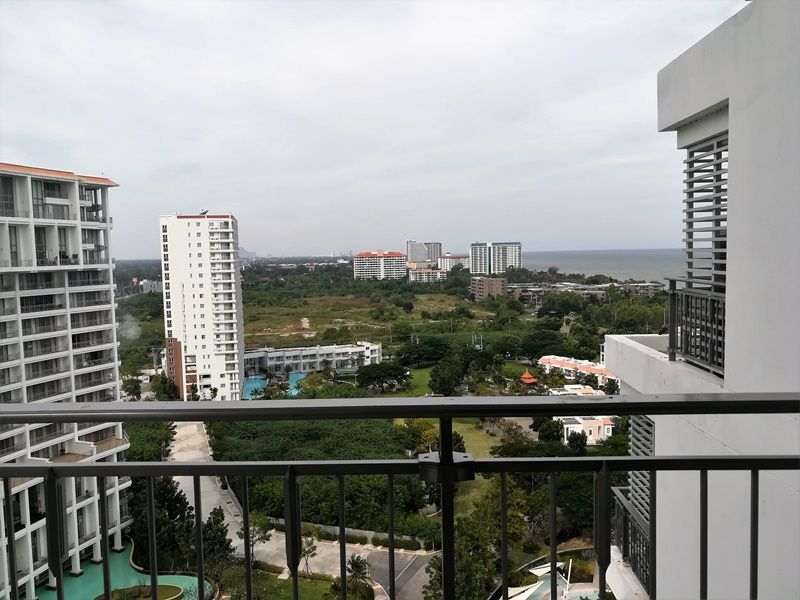 High Floor Sea View 1 BR 1 Bath Condo