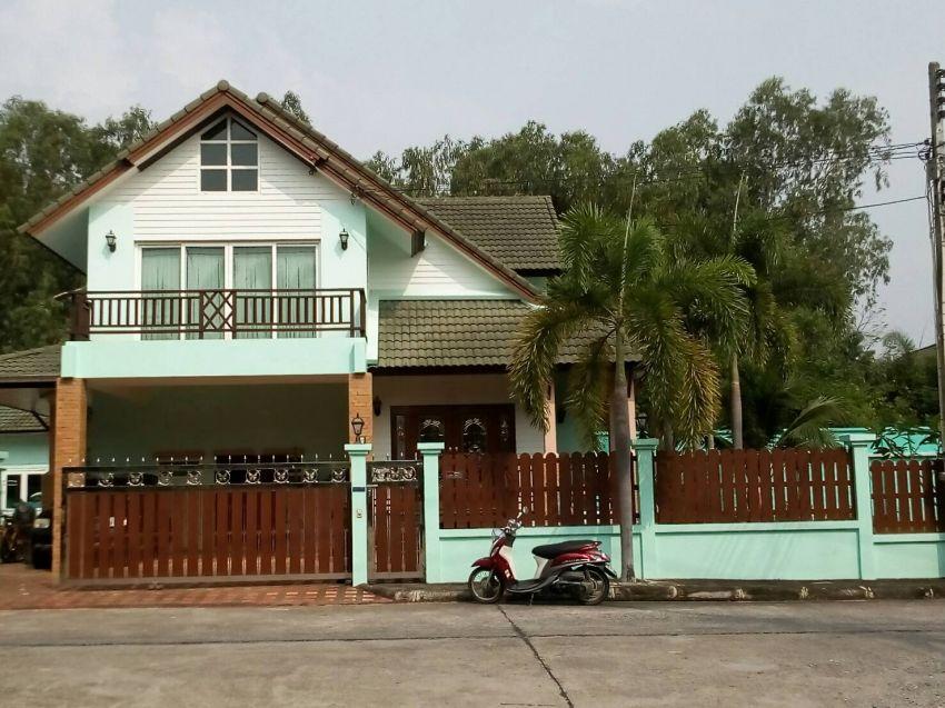 big tropical garden house for sale