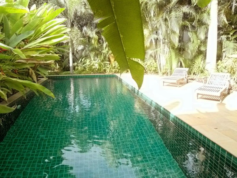 Noble, spacious 3 plus bedroom estate near Wong-Amat beach