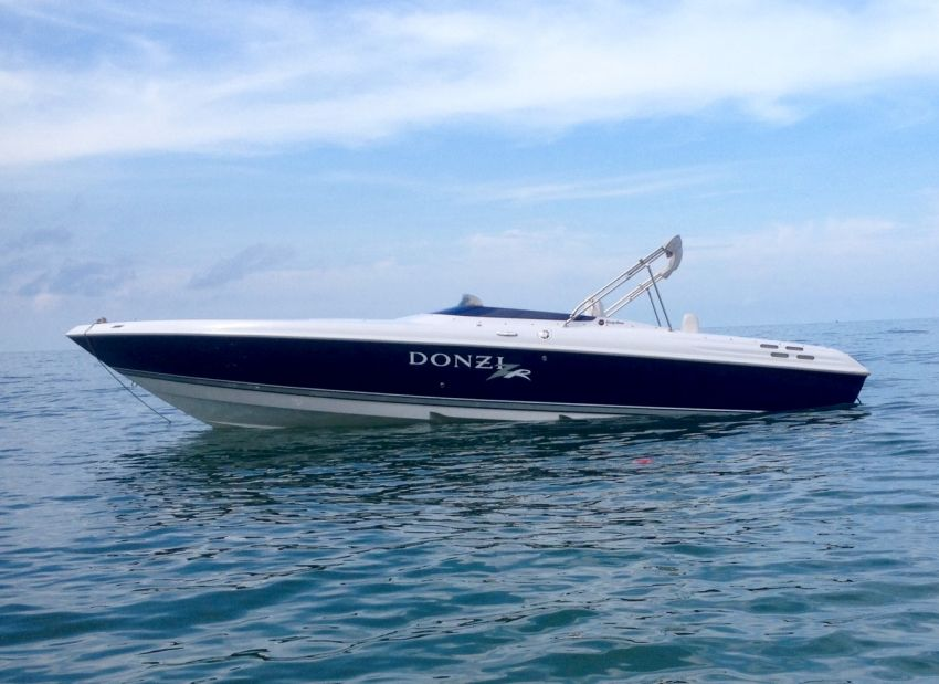 Donzi 27ZR 2007 model 496HO Mercruiser HUGE PRICE REDUCTION,1.5 m baht