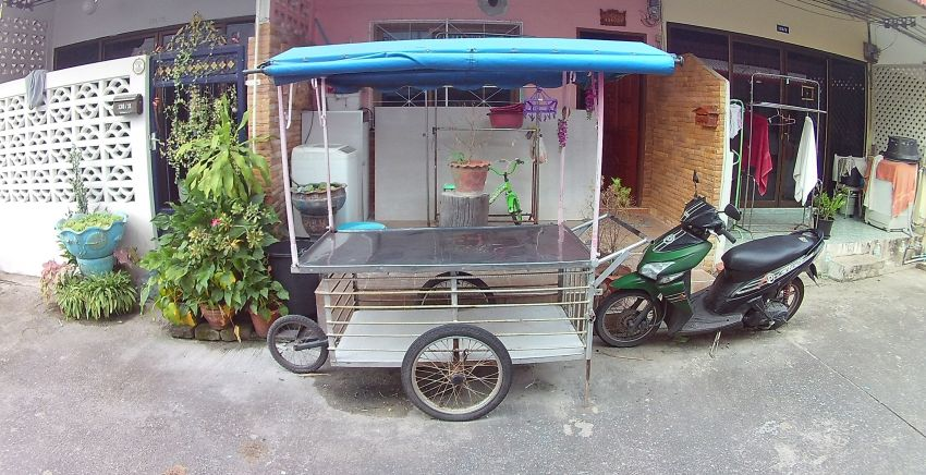 Food cart incl. ready made banners