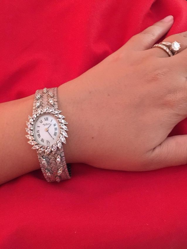 TRADE IN WELCOME FOR THIS GOLD AND DIAMONDS SWISS PIECE OF JEWELRY