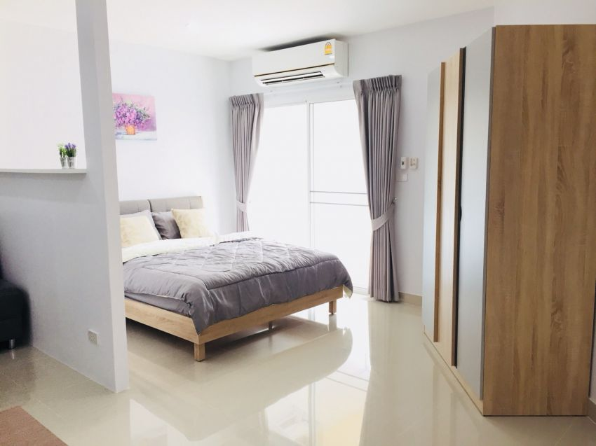 Newly decorated, fully furnished, Chiang Mai Riverside Condo for Rent