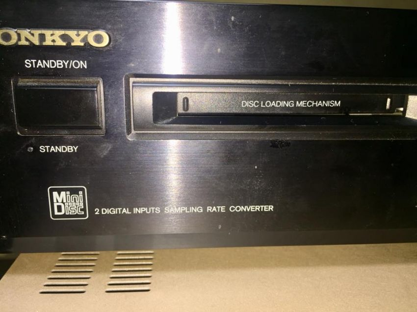 Onkyo MD -2321 minidisc recorder and 60 pieces of record