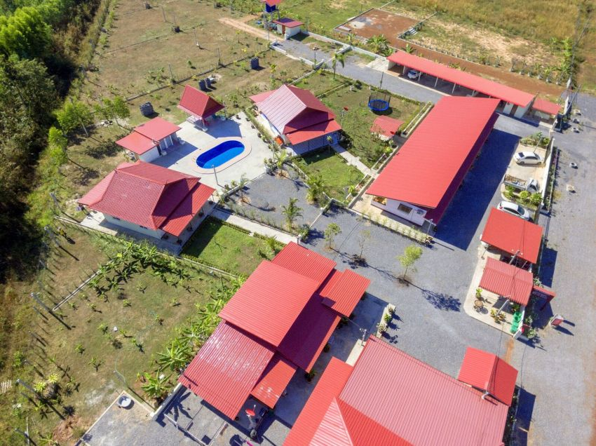 UdonThani Hotel Resort with 4 rai of land roads on 3 sides for expansion