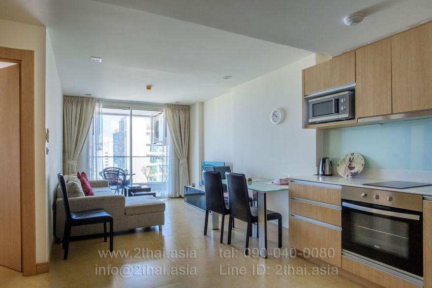 Spacious 1 bedroom for sale in The Cliff Pattaya Condominium