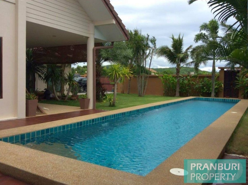 Reduced 3 bed villa with lap pool for sale in Paknampran