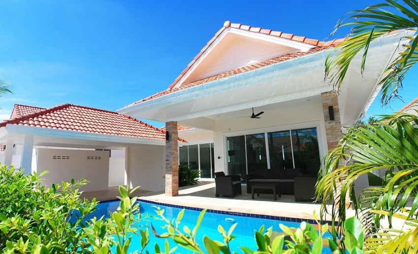 Newly built pool villa 110 sqm north Hua Hin ready to move in