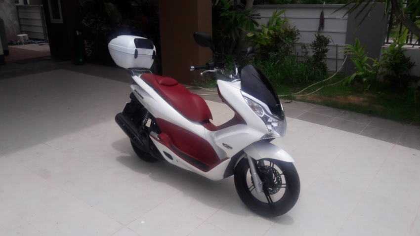 HONDA PCX150 FOR SALE 5 MONTHS OLD