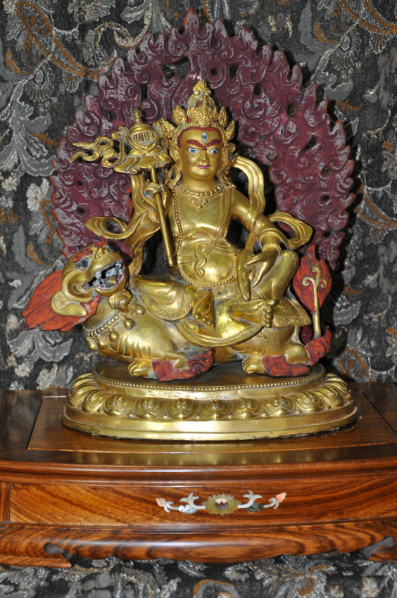 Vaishravana (God of Wealth) Gold Gliding Statue