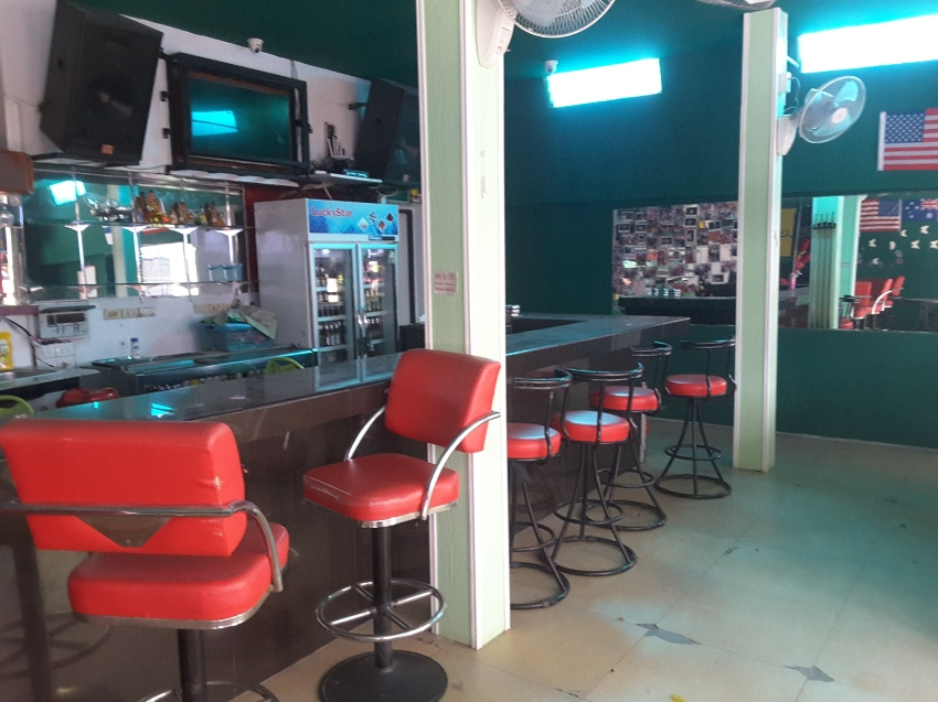 Bar for sale/rent in Pattaya close to Beach