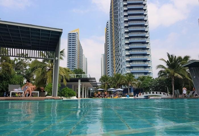CS1735 Lumpini Park Beach Sea view
