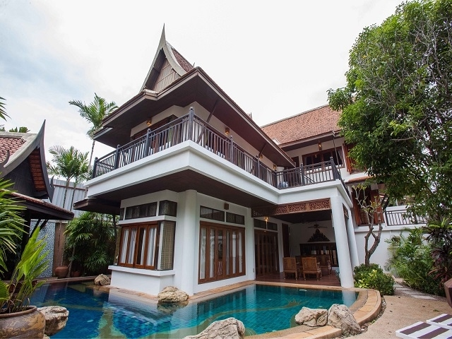 HR1341 Beach House , 4 bed for rent