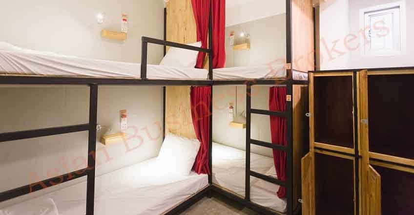 0149016 Profitable 21-Room Hostel Cafe and Restaurant at Asok