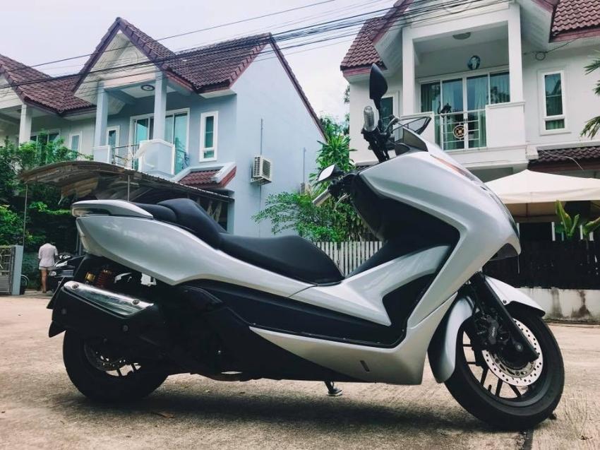 Honda forza 300 SILVER