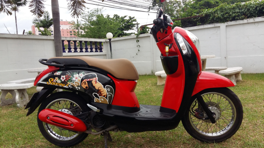 Honda Scoopy i, 2014, 25.000km, perfect bike, from Farang