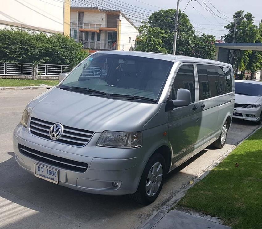 Beautiful 2.5 TDI Diesel Volkswagen Caravelle 2005 VIP