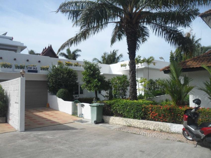 Luxury 3 Bedroom Villa Reduced from 8.5 Mb