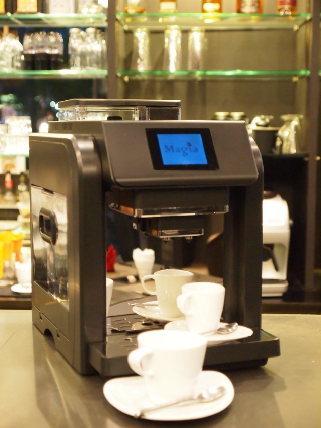 Fully Automatic Coffee/latte/Cappuccino machine with grinder