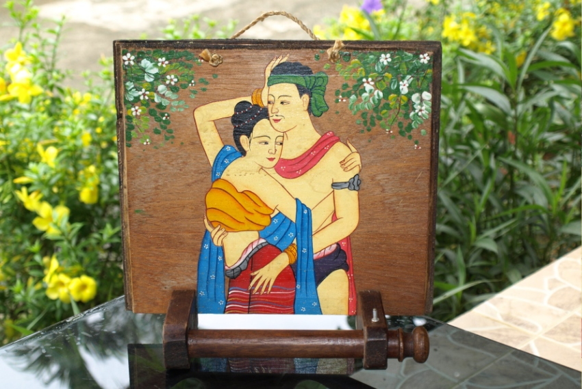 Old Decorative Vintage Wood Paper Roll Holder Painted Man & Woman