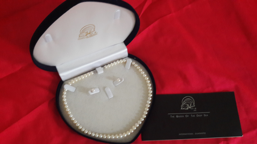 Beautiful white Akoya Pearl Necklace and earring set , 6.0-6.5mm,