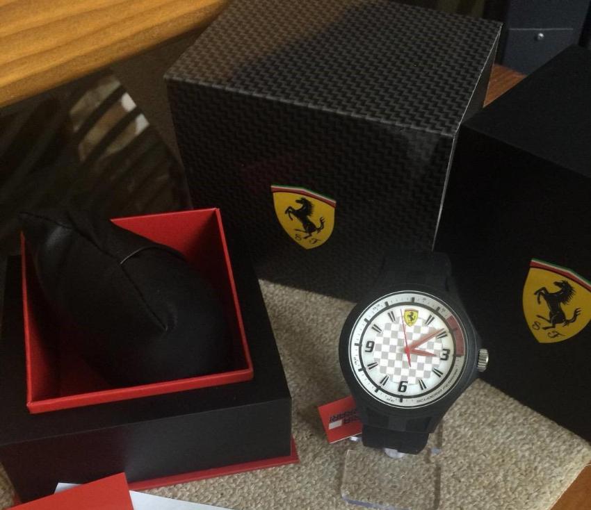 Mens Scuderia Ferrari SF101 Pit Crew Watch, USA-Model, brandnew in Box