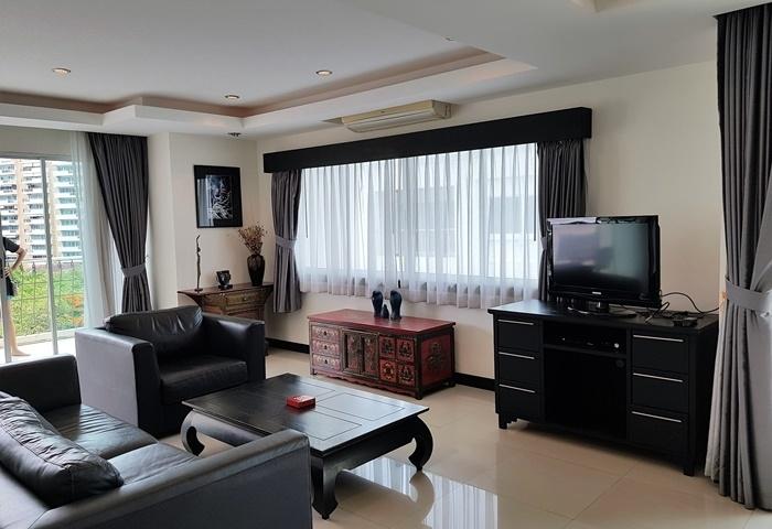 CS1750 Platinum Suites Condo , 2 bed for sale