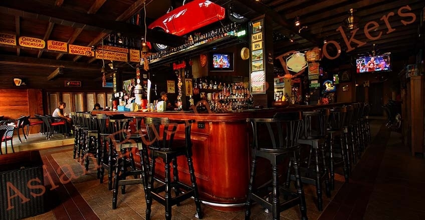 1001001 Trendy Freehold Pub for Sale Chiang Mai