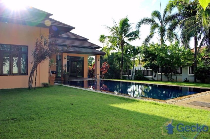 Bang Saray, 3 Bed Family Home Large Pool in a Quiet Peaceful Village