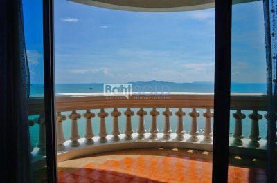 PARK BEACH | 3 Bedroom For Sale (Wongamat Beach, Pattaya)