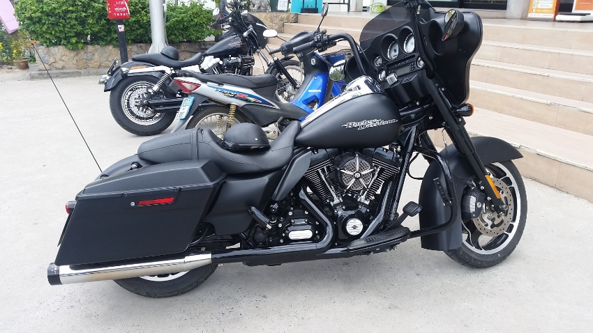 Harley Davidson Street Glide FLHX 103