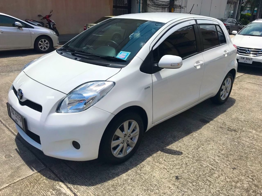 Toyota Yaris E 2012 for sale