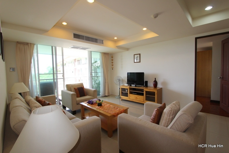 Large 2 Bedroom Sea And Mountain View Condo.