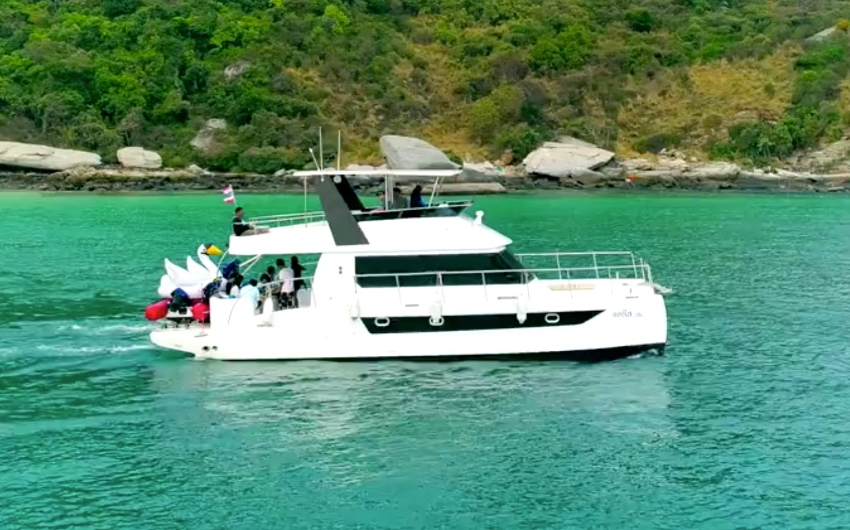 42ft Motor Catamaran Y2017 for Sell by Owner  in Pattaya Thailand
