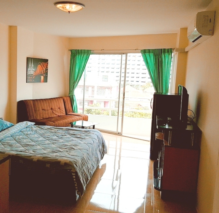 Nice Condo For Rent in ViewTalay 1
