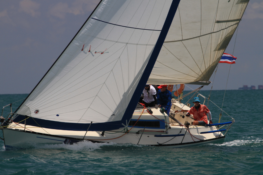 X-99 Sailing Yacht: day sail, liveaboard adventures, regatta events