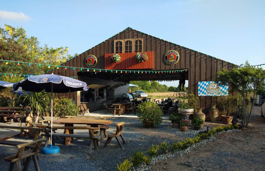 Great Restaurant with Beergarden and big parking lot in East Pattaya
