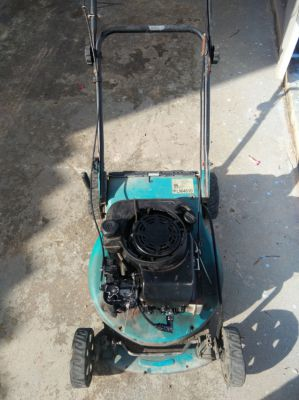 lawn mower makita PLM 4610