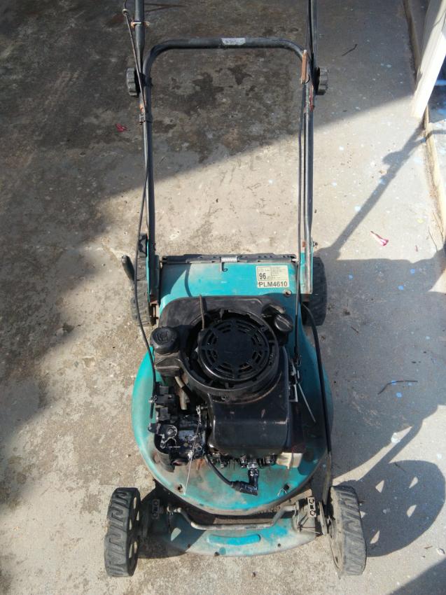 lawn mower makita PLM 4610