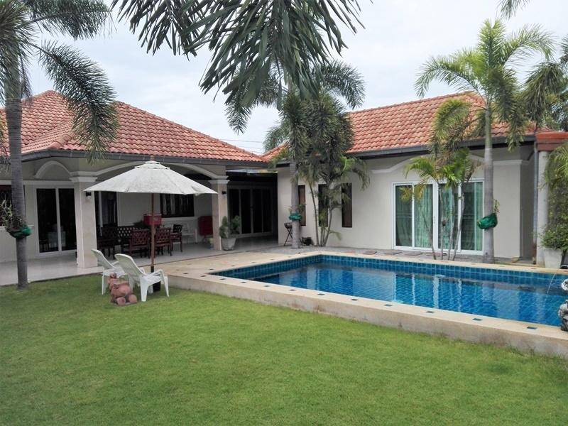 Wow! Fully Furnished 6 BR 3 Bath Pool Villa Near City Center