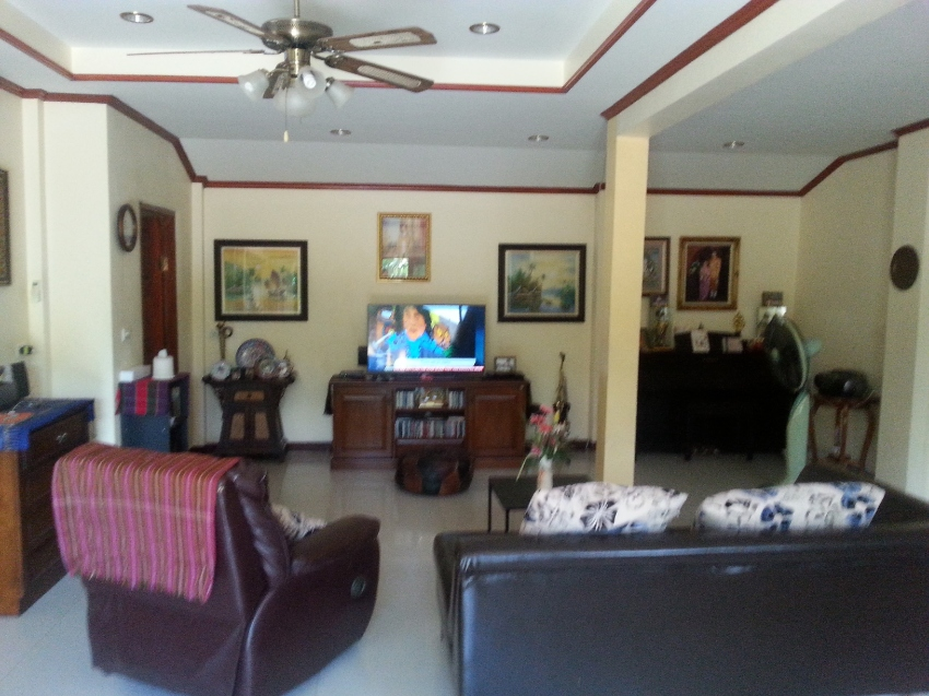 4 bedroom  2 kitchen 2 bathroom 2 story house on private estate Surin