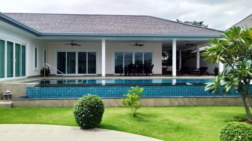 Superb Quality Pool Villa in private and exclusive Village